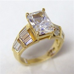 10047 - Emerald cut CZ ring (R1702-YG)